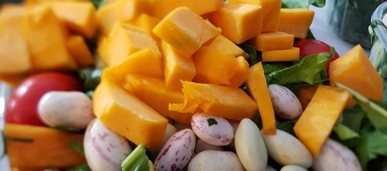 Pesticidi: qual è il miglior metodo di lavaggio di frutta e verdura?